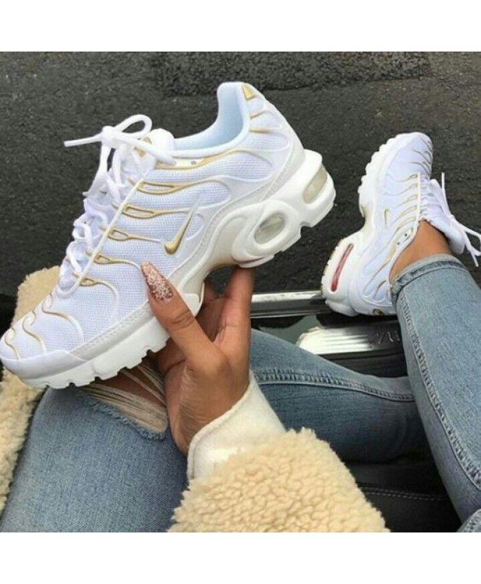 chaussure femme nike air max plus